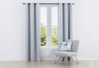 EST - Plain Triple Weave Eyelet Curtain 120 x 223cm