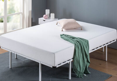 LEVY - White King Bed