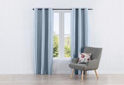 NOVA - Faux Silk Eyelet Curtain 120 x 223cm